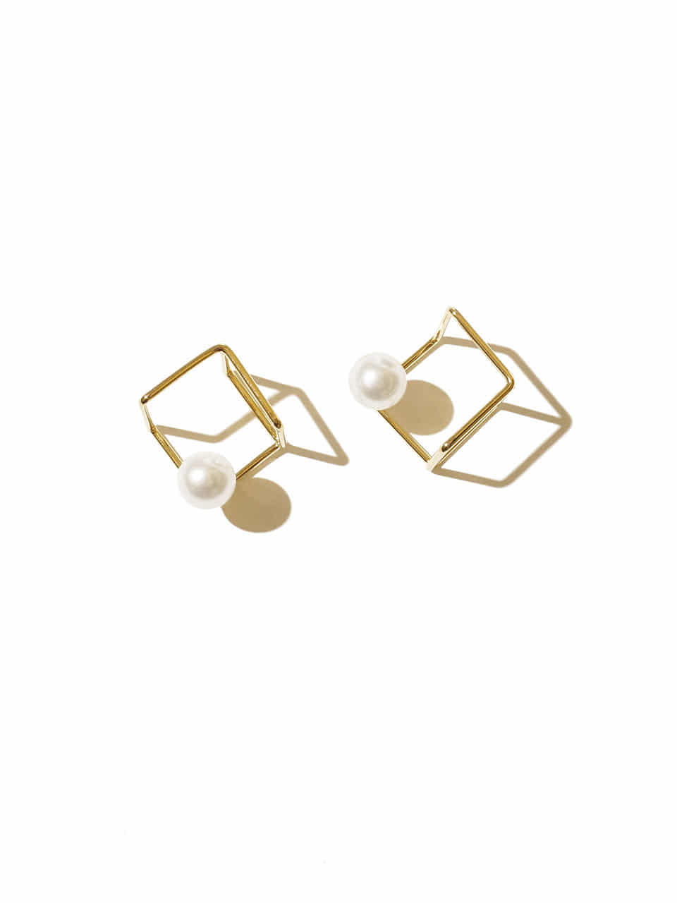 Frame cube earrings