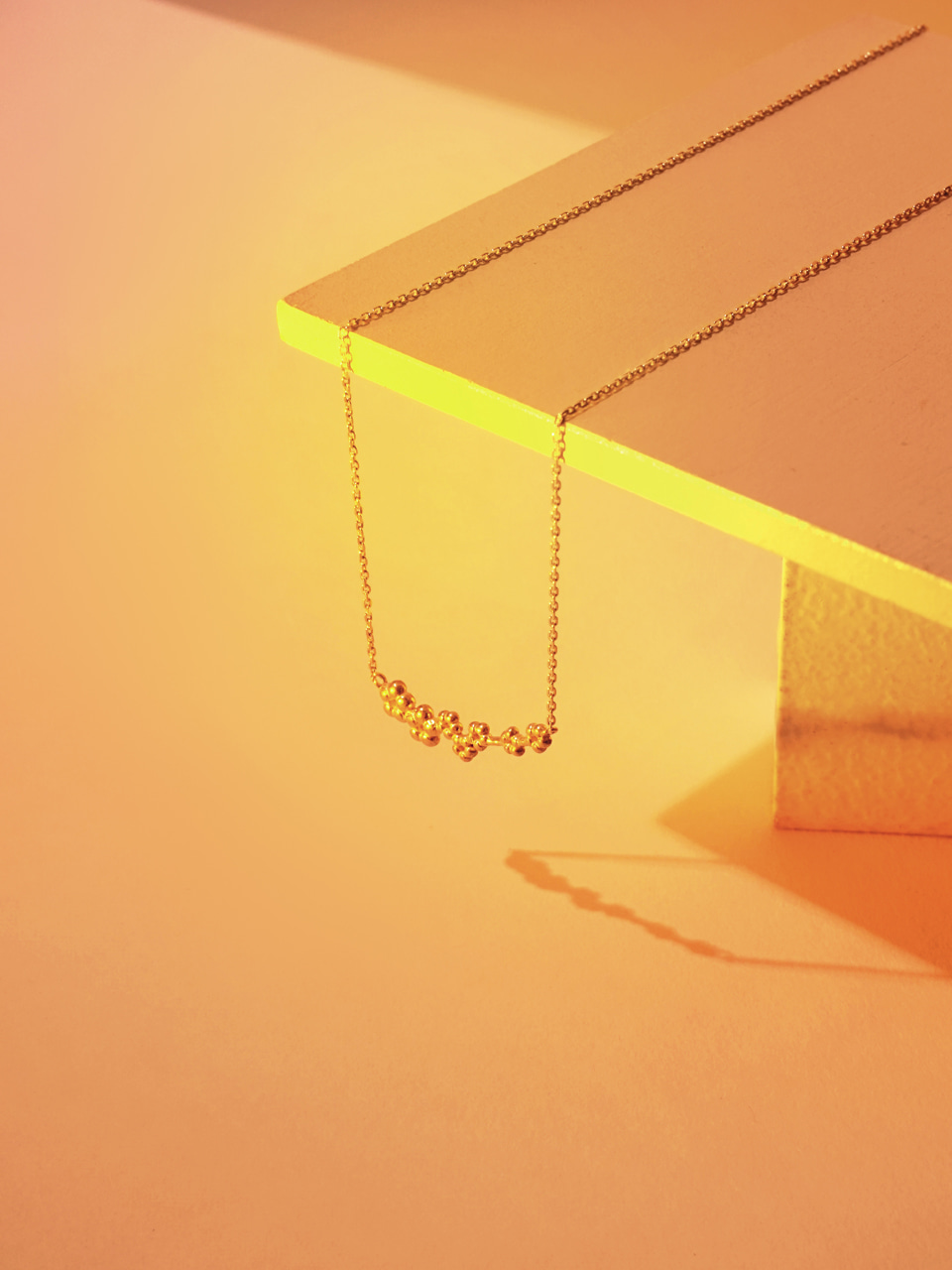 In full bloom_curve necklace
