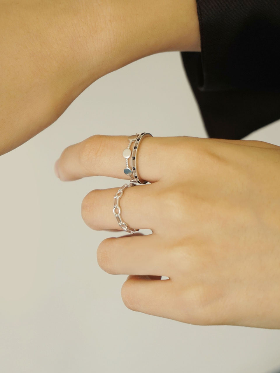 Between cubic set ring
